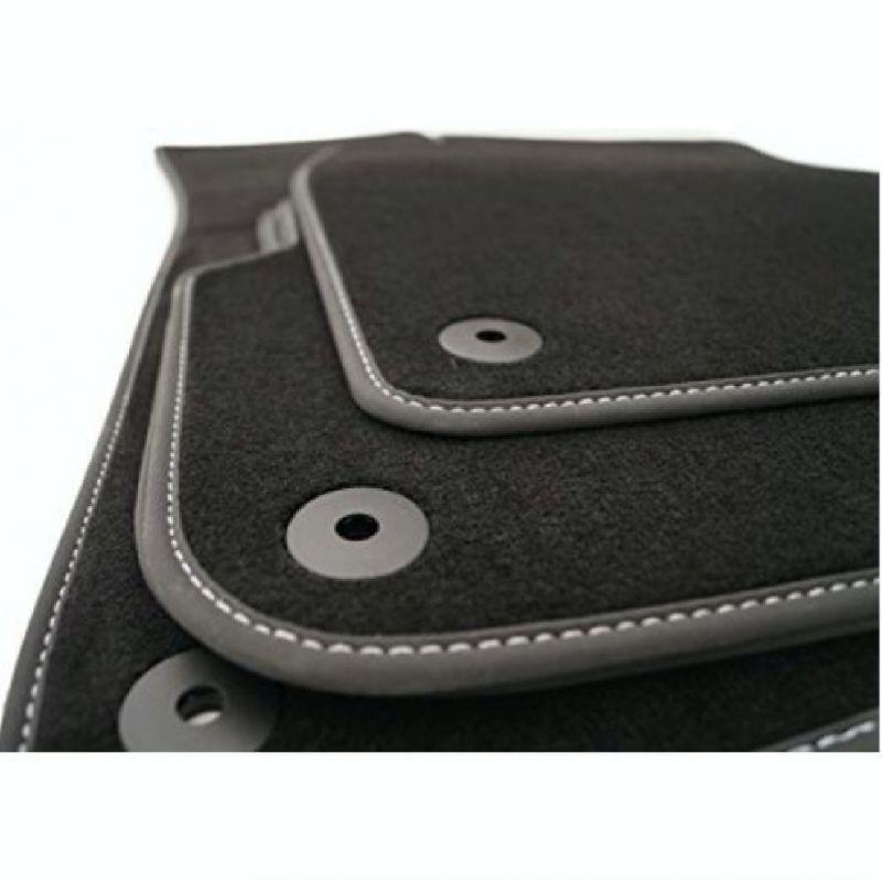 tapis moquette sur mesure prestige pour volkswagen golf 7. Black Bedroom Furniture Sets. Home Design Ideas